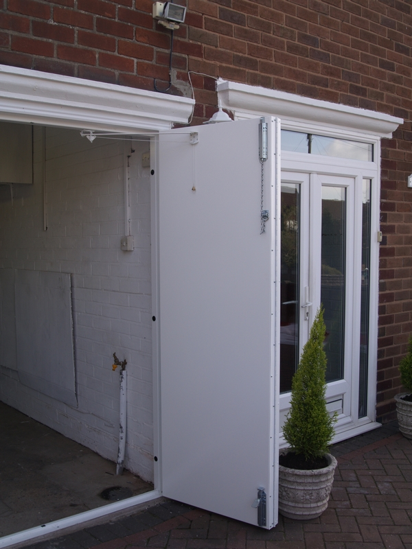 side hinged garage doorsSidehung garage doors in Kidderminster Dudley and Wolverhampton